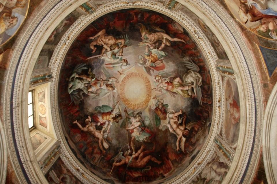Dette bildet mangler alt-tekst; dets filnavn er roma-sixtinske-kapell-kuppel.jpg