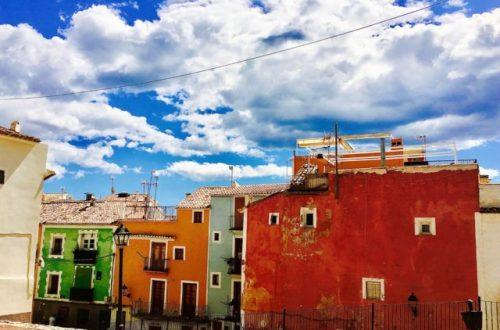 Fargerike hus i villajoyosa