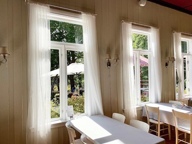 Gressholmen kro inne vinduer