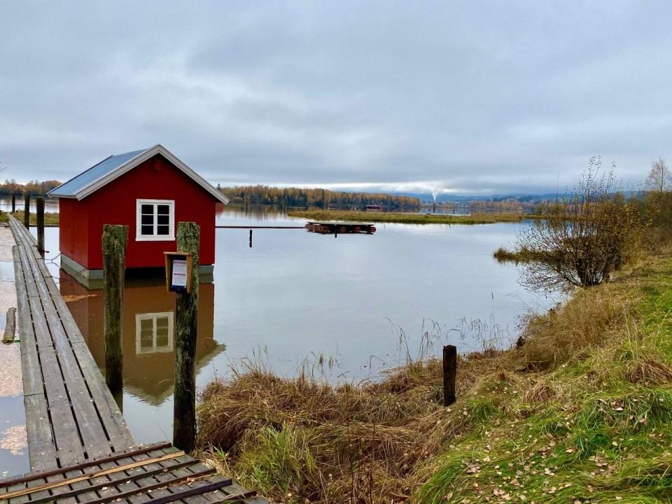 Flåteganger og rødt hus Fetsund lenser