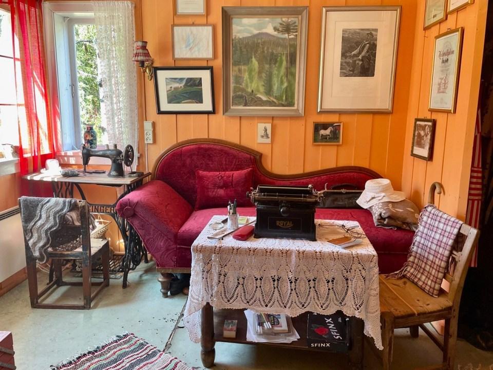 Stua i huset til Åsta