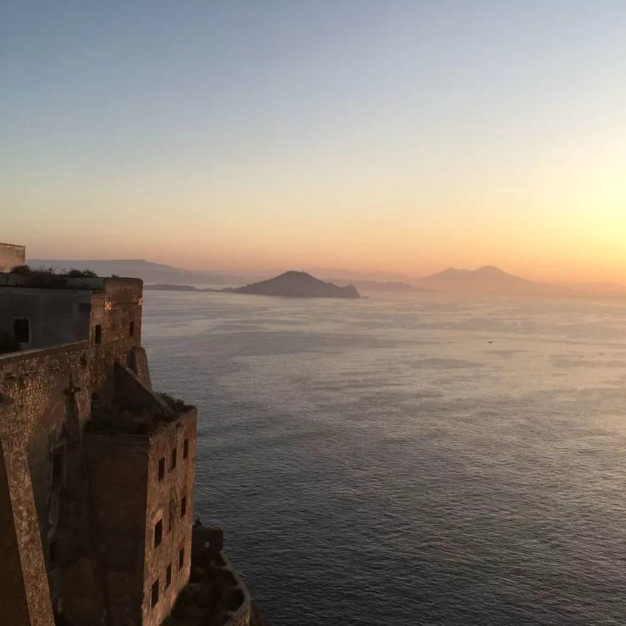 Sonnenaufgang auf der Insel Procida