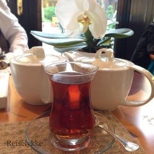 Turkish tea, Istanbul