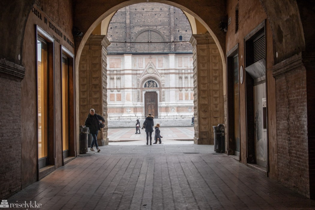 Søylegang ved Piazza Maggiore