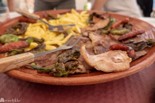 Grillet lokalt kjøtt hos Balcon de Linare