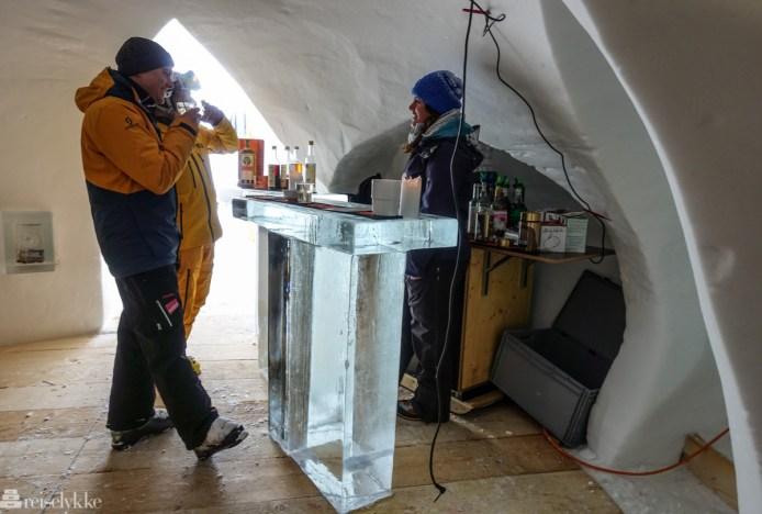 Iglo-bar ved Birg