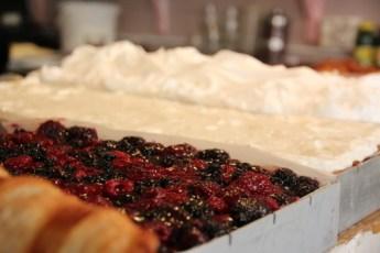 Mmm Kakene ser gode ut hos Le Petit Café i Haga