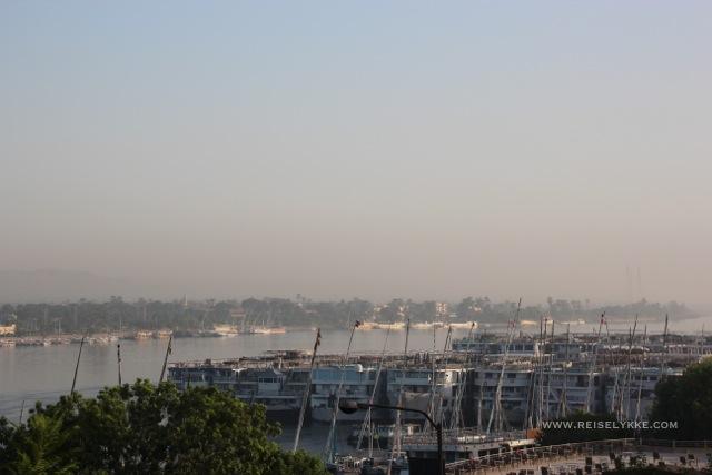 Cruiseskip i opplag langs Nilen