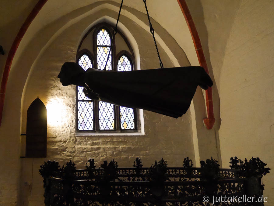 Der Schwebende von Ernst Barlach im Güstrower Dom