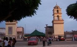 Von der Kirche an der Plaza blieben nur die zwei Türme