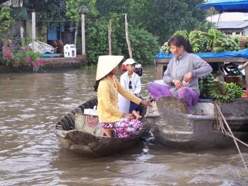Händlerinnen auf dem Mekong
