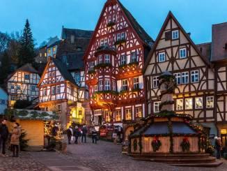Weihnachtsmarkt in Miltenberg (Schnatterloch).