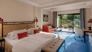 Liebevoll und behaglich gestaltete Zimmer mit viel Platz.