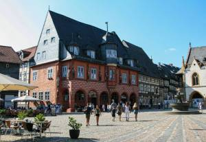 Das historische Gildehaus Kaiserworth steht seit 1484 in Goslar.