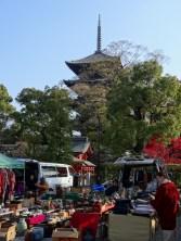 Fleamarket on temple gournds in Kyōto.