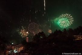 Feuerwerk am Kata Beach an Silvester