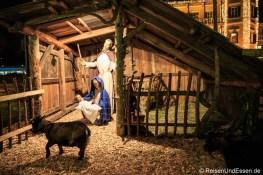 Lebende Krippe auf dem Adventsmarkt in Velden