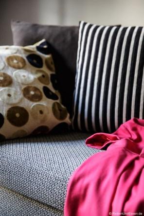 Kleid auf dem Sofa