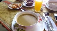 typisches Tagesmenü in Kolumbien: Suppe & Hauptgang
