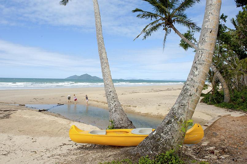 Der Hauptstrand von Mission Beach, Queensland