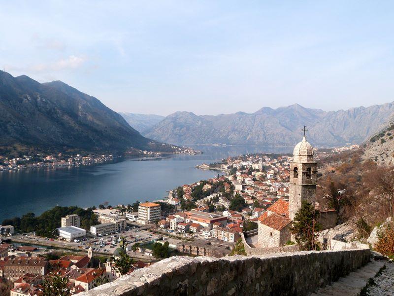 Blick auf Kotor und die Bucht