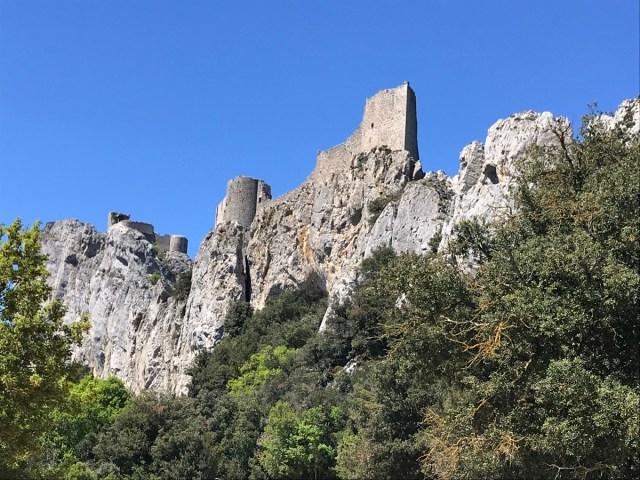 Burganlage auf drei Ebenen