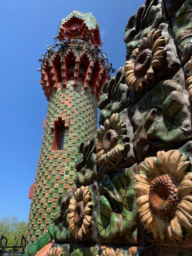 Minaretartiger Turm