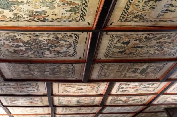 Decken-Fresken in Tákos