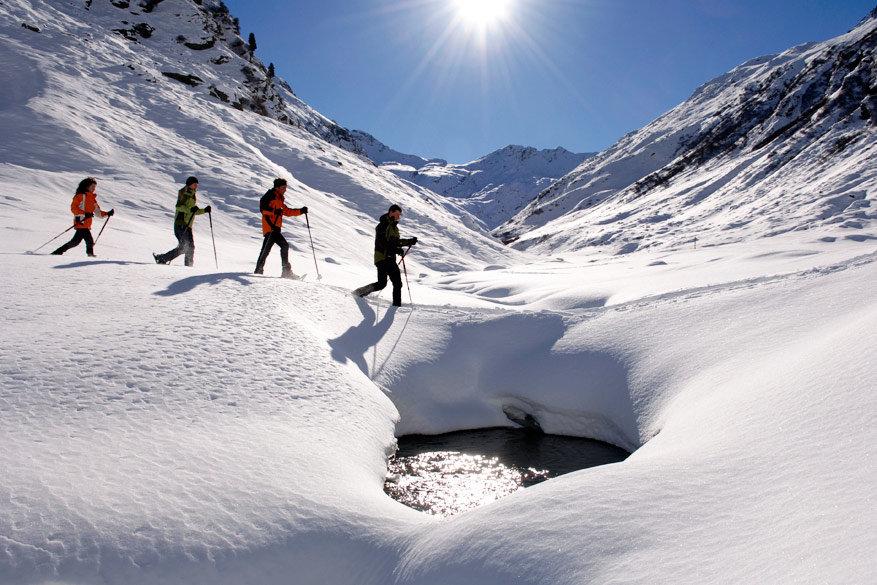 Sneeuwschoenwandelen is populaire activiteit in het skigebied Meran 2000. © Alto Adige Marketing/Laurin Moser