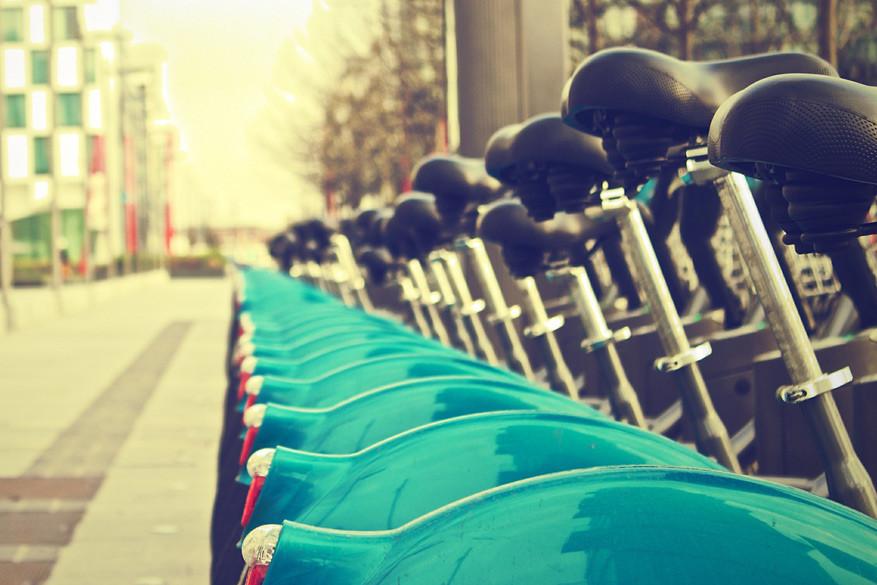 Huur een stadsfiets en rijd 30 minuten gratis door de stad. © Pixabay