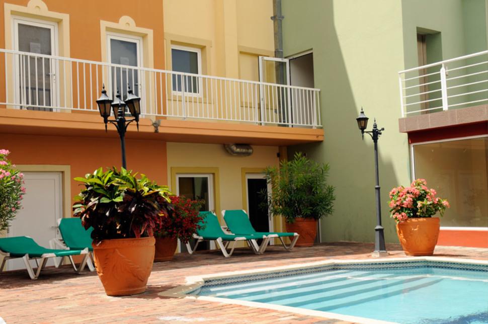 €679betaalt u slechts voor 9 Dagen CURAÇAO inclusief Vlucht + Transfers + EM City Hotel (KW 7.5