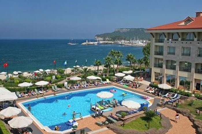 Lekker luxe 5* ALL INCLUSIVE HOTEL met klantwaardering van 9.0! €378 vlucht + transfers + Fame Residence