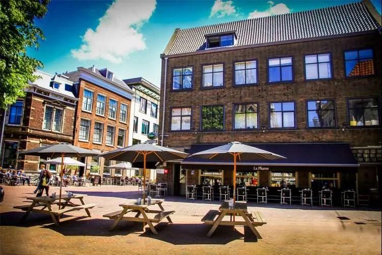 La Plume terras Haarlem