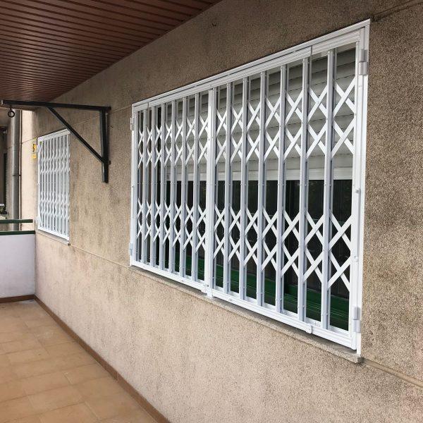 rejas ballesta ventana 1 y 2 Mataró