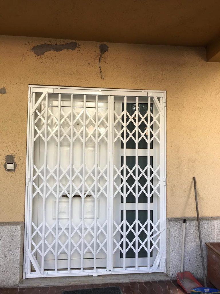 puerta entrada cerrada