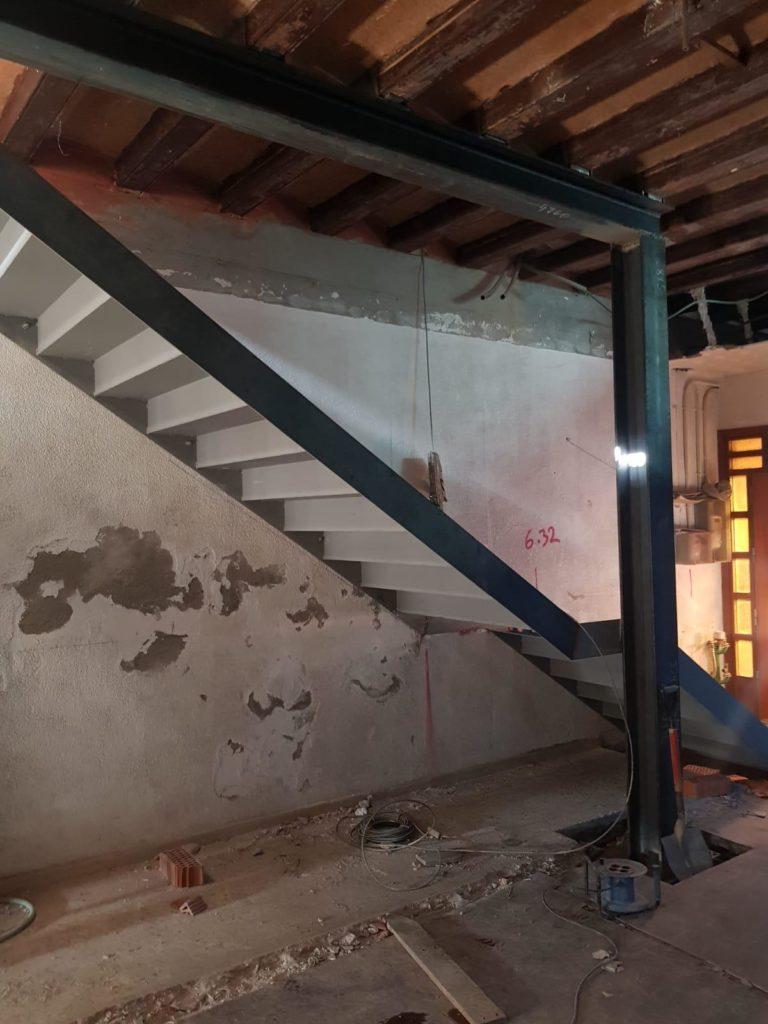 escalera de hierro, imprimada 2
