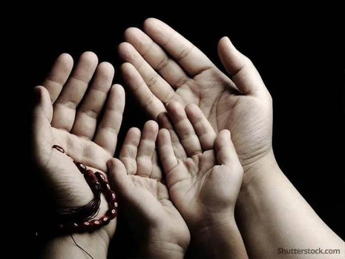 Hasil gambar untuk gambar tentang orang doa