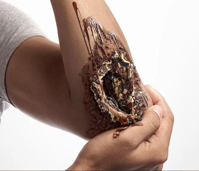 tangan coklat