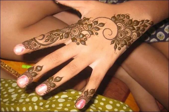 cara melukis henna sendiri