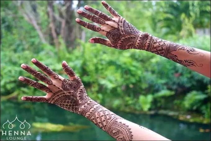 Henna Tangan Motif Chandelier