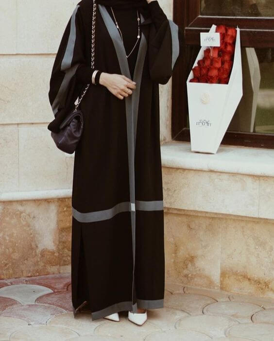 abaya black simple