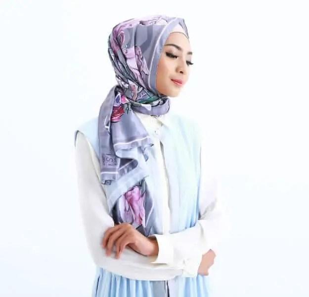 hijab paris