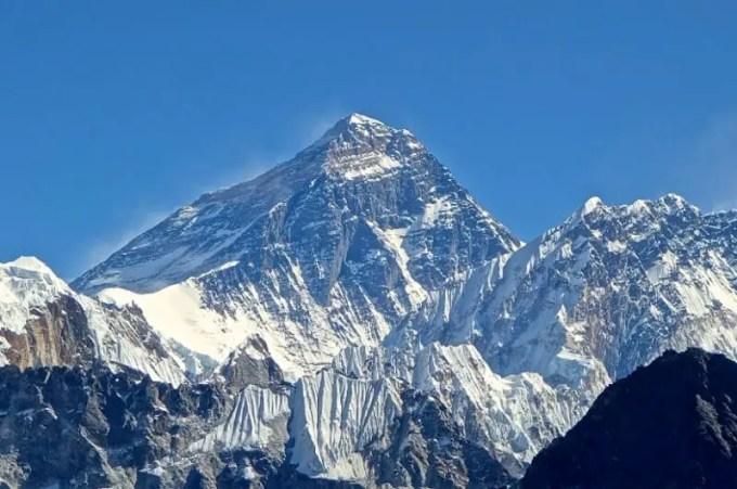puncak gunung jaya wijaya