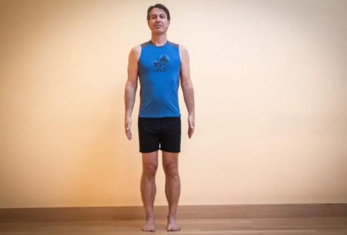 gerakan yoga standing mountain pose
