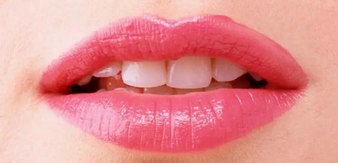 manfaat madu untuk bibir