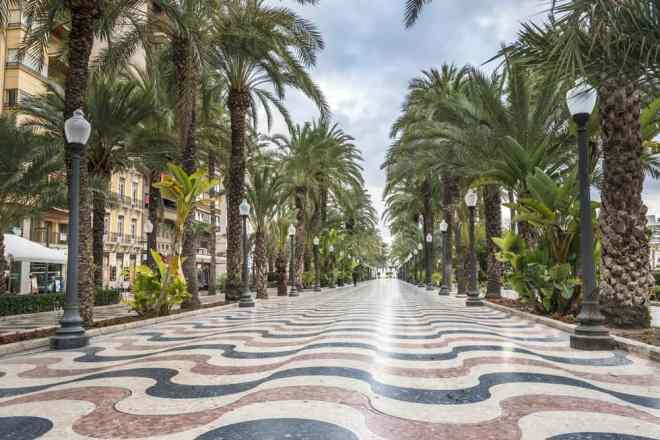 Explanada promenaden - Alicante i Spanien