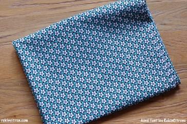 Tissu fleurs motif bleu