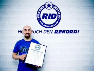 RID-rekord-strohhalm-salto-trinken1