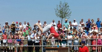 RID-rekord-strohhalm-salto-trinken4