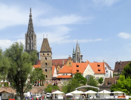 Sicht ¸ber die Donau vom Neu-Ulmer Ufer